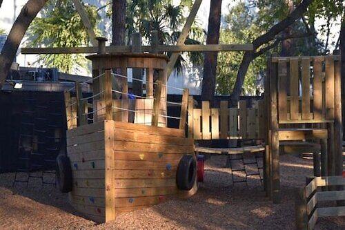 kid friendly restaurant with playground
